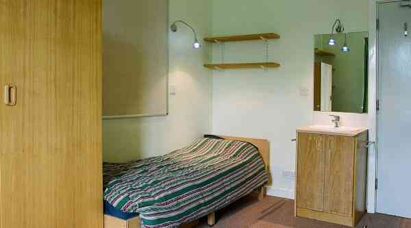 uppingham-gallery-05-bedroom.jpg