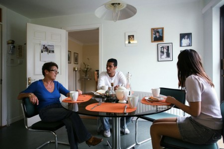 host-family-dinner-table-english-language-in-galway-ielts-jpg-1580x0-q85-crop-scale-progressive-subsampling-2.jpg